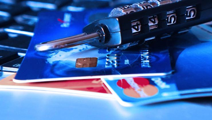 Salgında kredi kartı bağımlılığına dikkat!